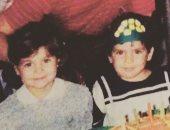"""يسرا اللوزى تنشر صورة من طفولتها برفقة عائلتها على """"إنستجرام"""""""