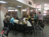 صور.. مكتبة الطالب المركزية قبلة طلاب جامعة أسيوط للتفوق والمذاكرة بهدوء