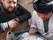 """قصة """"عم عماد"""" أقدم صنايعى للحام الذهب فى قنا"""