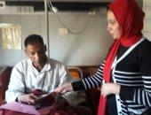 """""""التضامن"""" تصرف إعانات لاثنين من مصابى حادث تفجير الإسكندرية"""