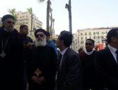 وفد كنسى يشارك فى جنازة شهيدى حادث الإسكندرية بمسجد القائد إبراهيم