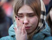 """صور.. الروس يودعون ضحايا حريق مركز تجارى بـ""""الورود والدموع"""""""