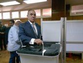 وزير التنمية المحلية: المصريون يكتبون تاريخا جديدا اليوم