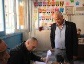 فرج عامر يدلى بصوته فى الانتخابات الرئاسية.. صور