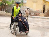 """""""أمن القاهرة"""" تلبى إستغاثة مسعف وتساعده على توفير مكان بالعناية المركزة لمواطن"""