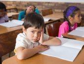 هل يعانى طفلك من بطء التعلم.. اعرفى العلامات