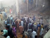 مصرع 3 أشخاص وإصابة 5 آخرين إثر انهيار سقف مصنع للمنسوجات بباكستان
