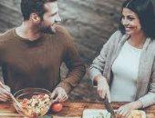 إزاى تجددى الحب بينك وبين جوزك لو متجوزين من سنين.. أكلة فى اليوم وصورة