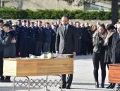صور.. رئيس وزراء فرنسا يشارك فى تشييع 3 قتلوا خلال عملية احتجاز رهائن