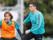 فيديو.. رونالدو يسجل هدفا رائعا بالكعب فى تدريبات ريال مدريد