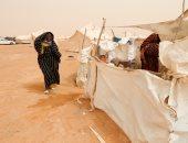 سكان مدينة تاورغاء الليبية يعيشون فى ظروف قاسية بالصحراء (صور)