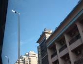 قارئ يرصد إضاءة أعمدة الإنارة نهارا أعلى كوبرى 15 مايو بالزمالك