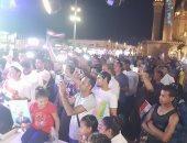 صور وفيديو.. احتشاد المئات من أهالى شرم الشيخ للاحتفال بفور الرئيس السيسى
