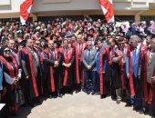 صور .. محافظ الغربية يشارك فى حفل تخرج الدفعة 33 من كلية الحقوق جامعة طنطا