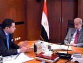 رئيس الوزراء يتابع خطة إعادة هيكلة مصانع وشركات قطاع الأعمال العام - صور