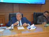 محافظ الوادى الجديد يلتقى بممثلى النقابات والجمعيات بالمحافظة
