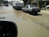 صور.. ماسورة مياه مكسورة منذ 5 أيام فى السيوف بالإسكندرية والأهالى يطالبون بإصلاحها