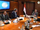 صور.. رئيس الوزراء يتابع الموقف الحالى لأرصدة السلع الاستراتيجية استعدادا لرمضان