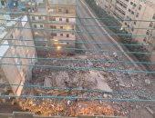 قارئ يشارك بصور انهيار عقار فى مصطفى كامل بالإسكندرية