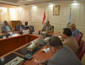 فيديو وصور.. محافظ مطروح يناقش مع أساتذة جامعة الإسكندرية تطوير الكورنيش