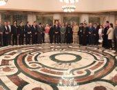 محافظ الإسكندرية والقيادات الأمنية يتقدمون بالتهنئة للأقباط فى عيد القيامة
