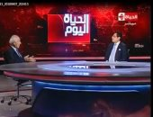 """فاروق الباز لـ""""خالد أبو بكر"""": """"عندنا خيبة فى التعليم ليس لها حدود"""""""