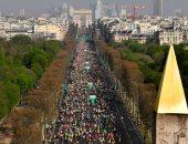 الآلاف يشاركون فى ماراثون باريس الدولى