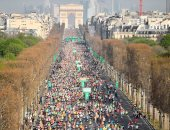 صور.. الآلاف يشاركون فى ماراثون باريس الدولى