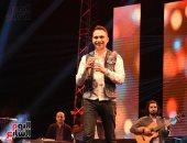 """صور.. حسام حبيب يحيى حفل """"بورتو السخنة"""" فى اليوم التالى لزواجه من شيرين"""