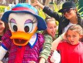 سلمى حايك وابنتها يستمتعان بإجازة فى Disney