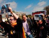 كتالونيا.. خسائر الاحتجاجات بالإقليم تتجاوز 2 مليون يورو و182مصابا و83 معتقلا