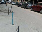قارئ يشكو من وجود حواجز حديدية تشغل الطريق بشارع العمروسى فى الإسكندرية