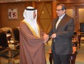 وزير القوى العاملة يبحث مع نظيرة البحرينى الربط الإلكترونى بين البلدين