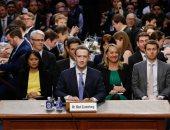 """زوكربيرج: """"فيس بوك"""" لا يتنصت على المكالمات الصوتية للمستخدمين"""