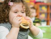 لو طفلك مريض سمنة.. 4 حاجات مهمة لازم تشجعيه عليها
