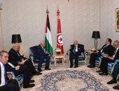 صور.. الرئيس التونسى يلتقى محمود عباس بمقر إقامته فى الدمام