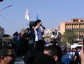 """فيديو.. أحمد جمال يبدأ حفله بجامعة عين شمس لتدشين حملة """"أنت أقوى من المخدرات"""""""