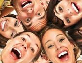 """متستهونش بالضحكة.. طبيب نفسى يوضح ما تكشفه طريقة الضحكة عن الشخصية.. """"الرقيعة"""" دليل على ضعف فى القدرات الجنسية.. """"المتقطعة"""" و""""المكتومة"""" للشخصيات المتشككة.. و""""الهادئة"""" تعبر عن الخجل والميل إلى الانطواء"""