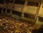 شكوى من إلقاء القمامة بمحيط مجمع المدارس بشارع القومية فى الزقازيق