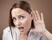 كيف تؤثر مشاكل السمع على صحتك العقلية والنفسية