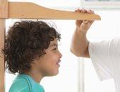 دراسة: تطوير عقار تجريبى يكافح السبب الرئيسي للتقزم عند الأطفال