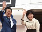 صور.. رئيس وزراء اليابان يغادر إلى أمريكا لإجراء محادثات مع ترامب