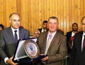 محافظ كفر الشيخ يدعم المعهد العالى للخدمة الاجتماعية بـ2 مليون جنيه