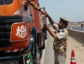 صور.. حملات مرورية على سيارات النقل الثقيل بالغربية وأسيوط وسوهاج