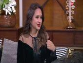 """نيللى كريم لـ""""عمرو أديب"""": بشترى من وكالة البلح (فيديو)"""
