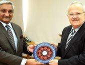 رئيس جامعة القاهرة يشارك بإجتماع مجلس أمناء الجامعة الإسلامية العالمية