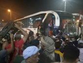 صور.. الأهالى يحتشدون بكوم أمبو بأسوان استقبالا لوفد البرلمان والمحافظ