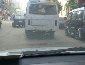 صور.. سيارات أجرة فى عين شمس بدون لوحات معدنية.. والأهالى يستغيثون