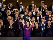 أخبار برشلونة اليوم عن كشف تفاصيل سرقة الكرة الذهبية من إنييستا 2010