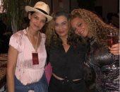 تينا والدة بيونسيه تنشر صورا من Coachella مع ابنتها وكاتى هولمز وهيدسون